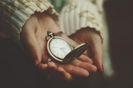 precious-time1.jpg